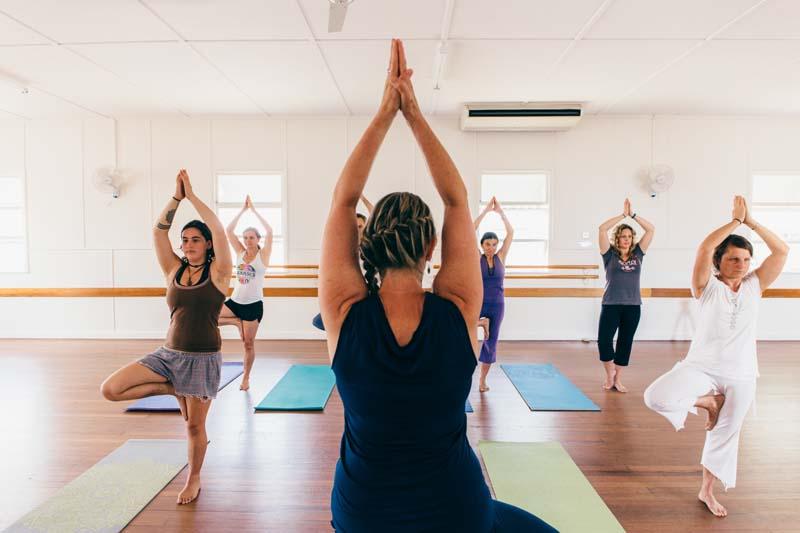linda_nugent_yoga_class04-2